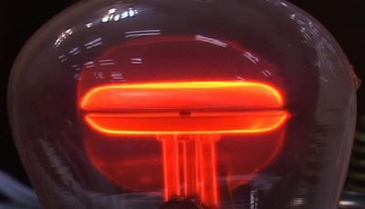 کاربرد گاز آزگون در لامپهای نئون