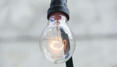 چه گازهایی در لامپ ها استفاده می شود؟