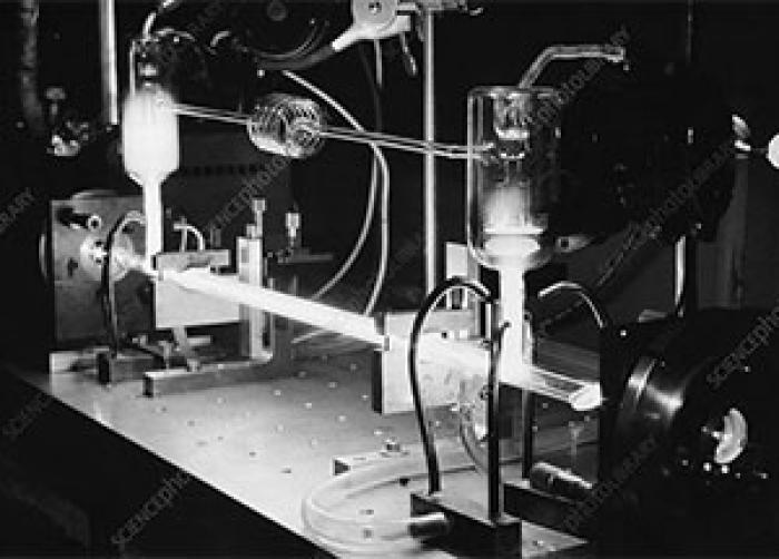 در لامپ  نئون از چه گازهایی استفاده می شود؟